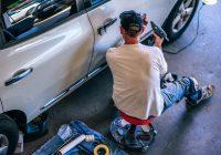 Du kan godt lære selv at fikse mindre problemer med din bil